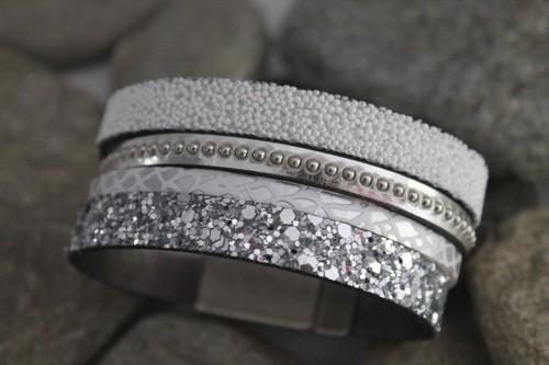 N°24 Lederen Armband Wit zilver