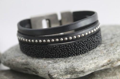 N°3 Lederen Armband Zwart met Studs