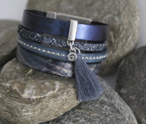 N°19 Lederen Armband Metalic Blauw met Kwastje