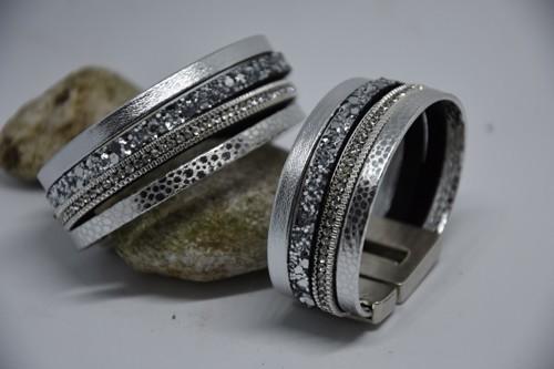N°19 Lederen Armband Zilver met Steentjes