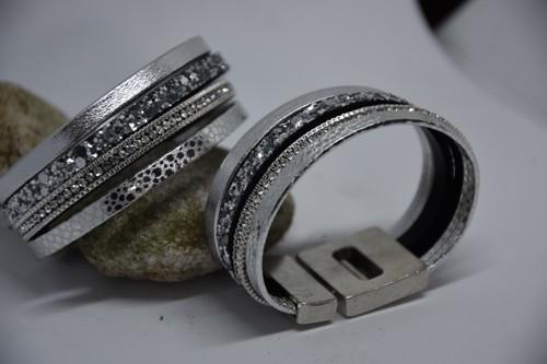 Lederen Armband Zilver met Steentjes