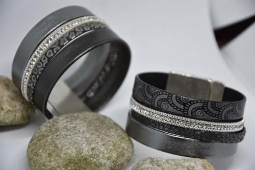 N°18 Lederen Armband Zwart Zilver met Motief en Strass