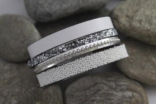 N°25 Lederen Armband Wit Zilver met Studs